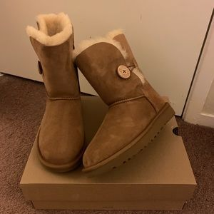 NIB UGG Bailey Button II Boots / Women size 6 & 11